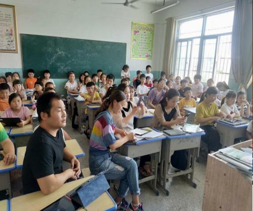 希沃信息化教学培训深入临泉县,携手共建智慧课堂