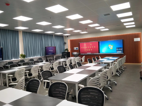 中教云天最新推出教室录播智慧教室设备
