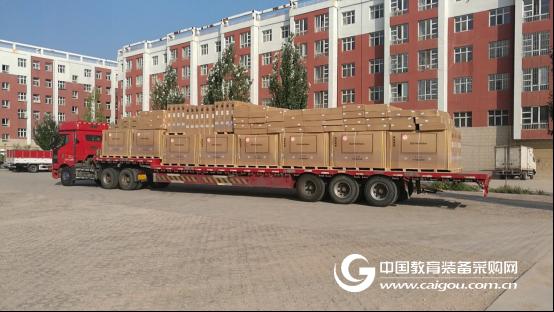 内蒙古12盟市636所学校 鸿合半月千里送千机