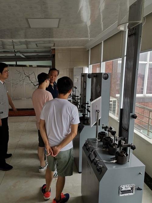 中国地大定制十字板剪切仪完成培训验收