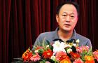 姜燕副主任就校服问题接受记者采访