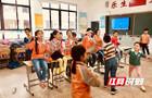 新奇!炫酷机器人惊现长沙小学校园