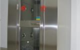 卓优+组培洁净风淋室+单向通道风淋,从非洁净区进入,关门后光电感应自动吹