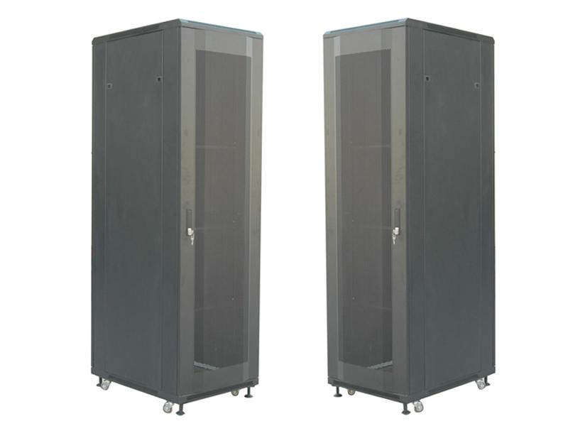 內含理線槽網絡服務器機柜