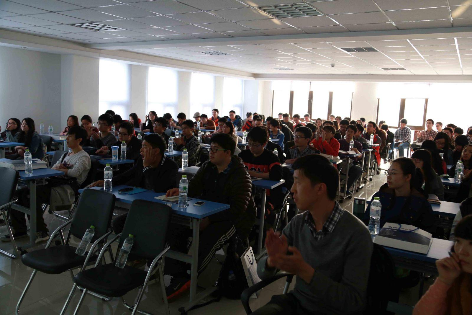 天津大学师生来卓立汉光参观指导