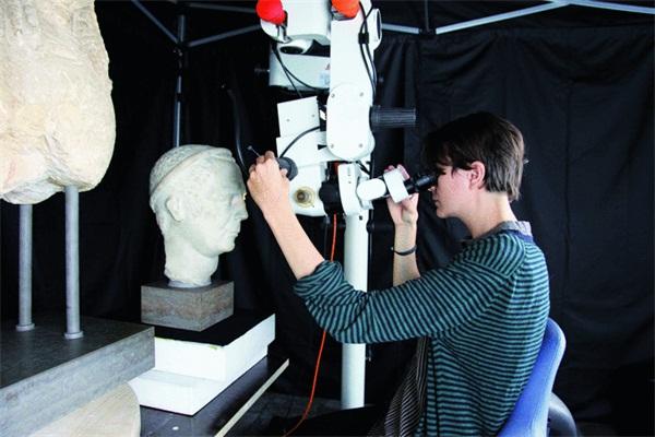 远古的色彩盛宴:数码显微镜在古典雕塑上的应用