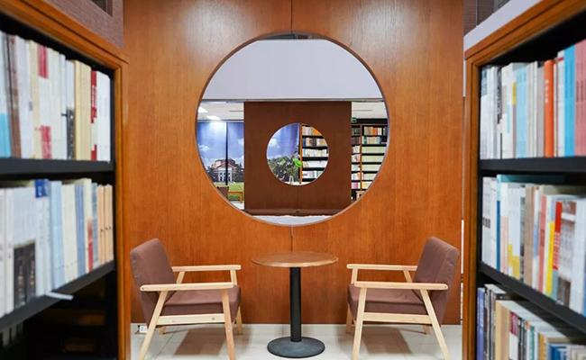 清华大学首个24小时书店来了!